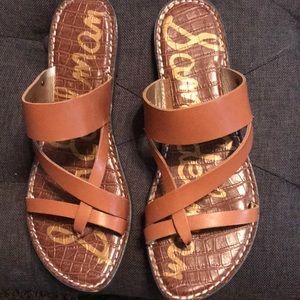 Sam Eldeman tan Flat Sandal EUC WORN TWICE